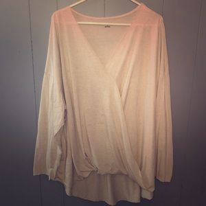 Beautiful light flowing Ava and viv long sleeve